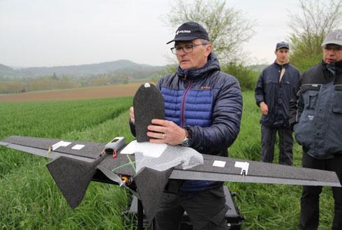 r242_9_article_-_euralis_teste_le_service_farmstar_expert_par_drones.jpg